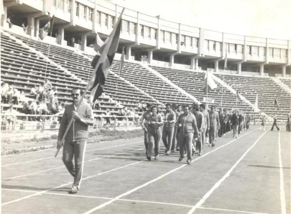 Desfile de la delegación cubana -equipo completo de VC- en Jarkov, antigua Unión Soviética