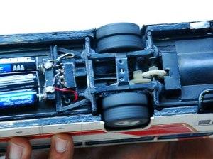 El Hino RV construido por Karel cuenta con motor y luces