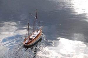 Bon Temps de Lazaro navegando