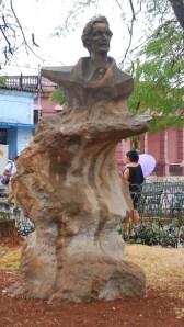 Busto de Arturo Comas Pons