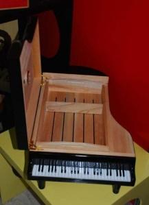 Interior piano humidor