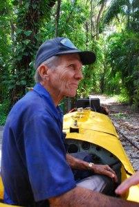 Yiyo, el maquinista del trencito del Zoo de 26
