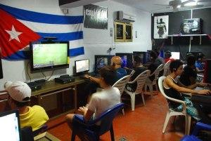 Sala de video juegos particular en el Vedado. Otra manera en que el audiovisual llega.