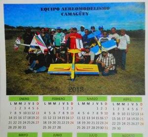 Amanaque con la foto del equipo de Camagüey aunque ni Samuel ni Moises aparecen