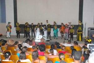 Actuación de la Colmenita