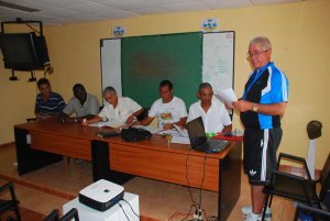 Reunión o consejillo técnico participantes Varadero 2011