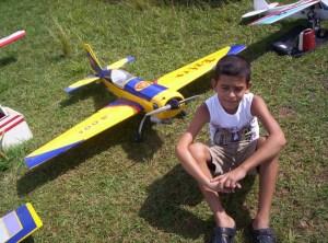 A Miguel Antonio lo podemos ver casi todos los domingos en el are de vuelo del Parque Lenin