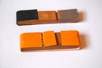 Lija diferentes montadas en tacos de madera