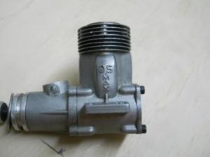 OS 46 con el crankcase normal y girado a la izquierda
