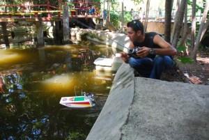 Navegando modelos RC en el Zoo de 26
