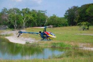 Jornada de navegación de lanchas rápidas y modelos eléctricos en la presa del Zoo NAcional y celebración del 14 cumpleaños de Miguel Antonio