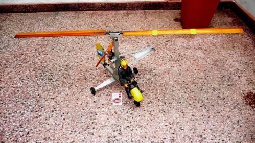 Autogiro-u-control-sobreviviente-de-años-80-620301- BR