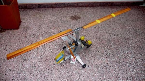 Autogiro-u-control-sobreviviente-de-anos-80-977201-MLA20296074404_052015-F BR