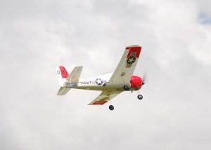 Domingo de aeromodelismo en el Parque Lenin