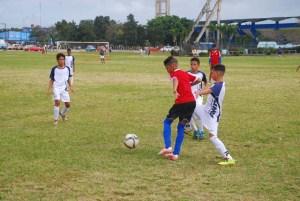 Futbol en la Ciudad Deportiva celebrando el aniversario 55 del INDER