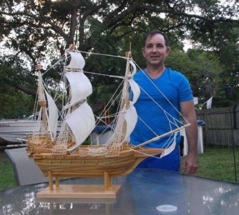 DSCF7146 Ariel y su barco