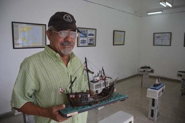 El autor, Octavio M. Céspedes Calaña, un marino devenido modelista