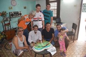 Para celebrar la Navidad y compartir un rato se reunen un grupo de modelistas ferroviarios cubanos en casa de uno de ellos el 18 de diciembre de 2016
