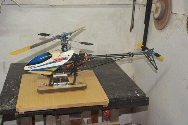 Mesa para probar helicóptero RC
