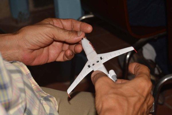 DSC_0020 - avión de madera