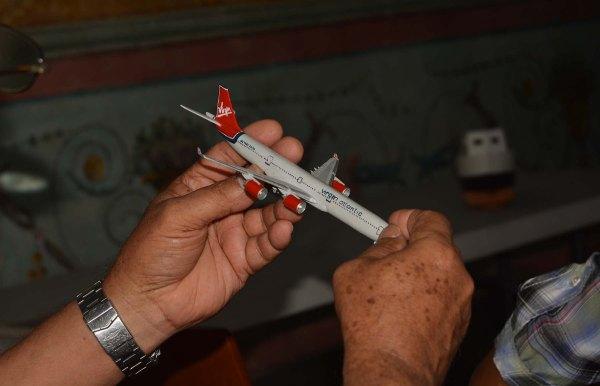 DSC_0021 - Avión de madera