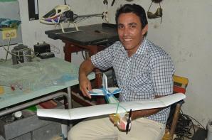 DSC_0114 Eduardo con su modelo