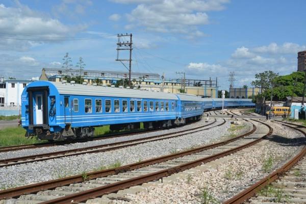 Primer viaje del nuevo tren chino